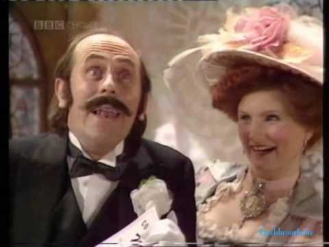 Happy Families - Series 1 Episode 1 - Mrs. Wobble the Waitress Part 1 (Monday 6th November 1989)