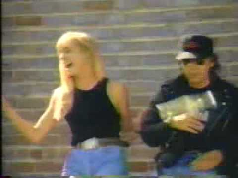 Streets of Bakersfield Feat. Buck Owens