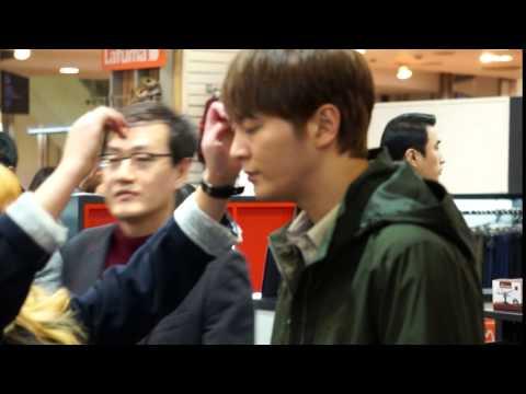 2016-03-12 Joo Won Mountia Sign Event at Guro AK Plaza (видео)