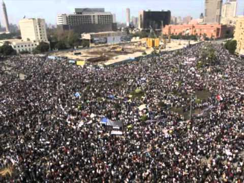 Protesters in Tahrir Square break into song