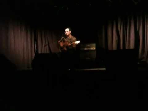 Bennie James - Listen Closely (live)