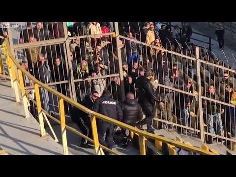 Szybka kara dla kibica, który próbował wejść do sektora gości podczas meczu