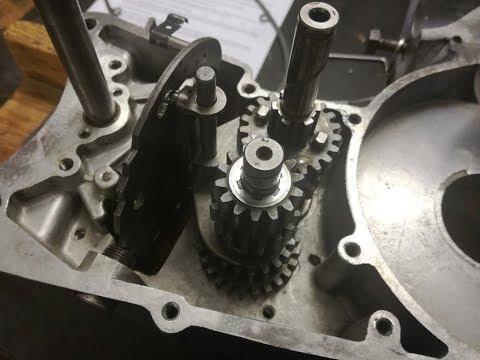 Jawa 175/356 (1958) skládání převodovky (Gear Box Mounting - Transmission Assembly)