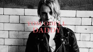 Tom Odell videoklipp Daddy (Wrong Crowd Album)