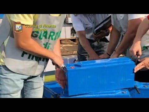 Τόνοι ελαστικών και μπαταριών κατασχέθηκαν στο λιμάνι του Σαλέρνο   …