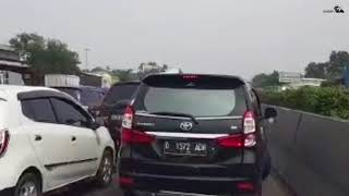 Video Kayak GTA di Tol Cikampek - Road Rage MP3, 3GP, MP4, WEBM, AVI, FLV Februari 2019