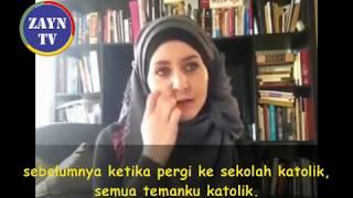 Video Alami Kejadian Aneh, Wanita Kanada Ini Mantap Masuk Islam - Mualaf Amerika 2017 MP3, 3GP, MP4, WEBM, AVI, FLV Oktober 2017