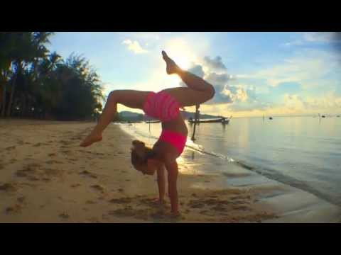 Yoga in Koh Samui: Handstand Splits Scorpion with Kino
