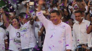 image of Pastor cierra campaña en Venezuela y promete