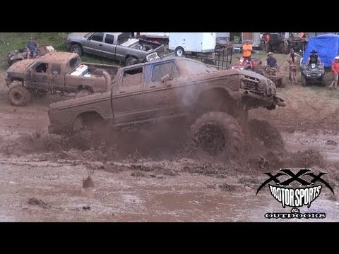 BIG SMITH SLINGIN BIG MUD!!_Car videos