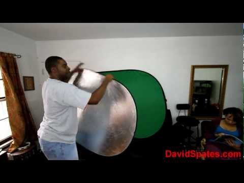 Going Crazy Trying To Fold A Green Screen / Bounce Board reflector 😮VLOG😮