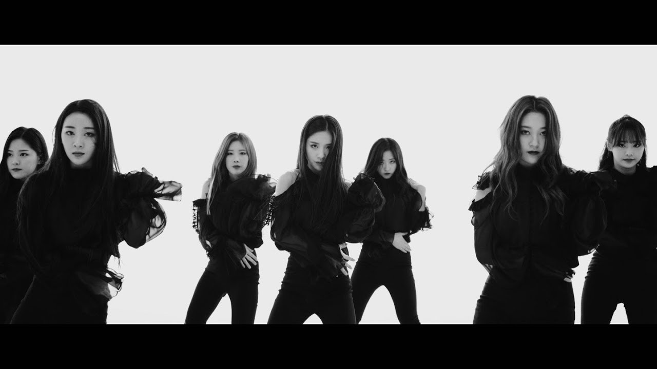 "LOONA RELEASES NEW MV ""BUTTERFLY"""