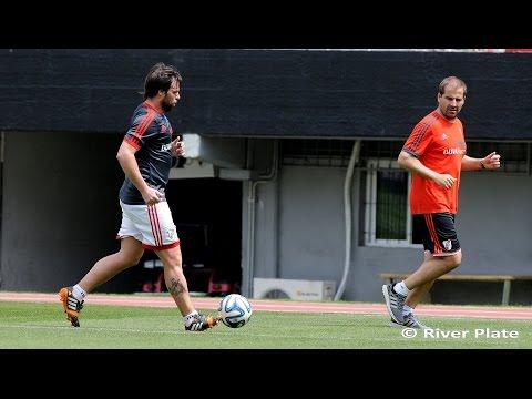 Cavenaghi volvió a trabajar con pelota