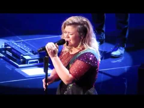 Kelly Clarkson covers Purple Rain!
