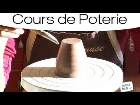Poterie : réaliser une tasse à café