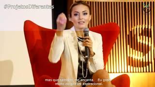 Em entrevista coletiva no SBT, a atriz franco-mexicana Angelique Boyer, falou com jornalistas sobre carreira, sucesso, o Brasil e os fãs brasileiros.