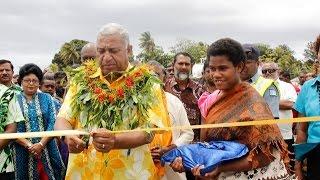 Rakiraki Fiji  city photos gallery : Fijian Prime Minister Hon. Voreqe Bainimarama opens the new Rakiraki Bridge.