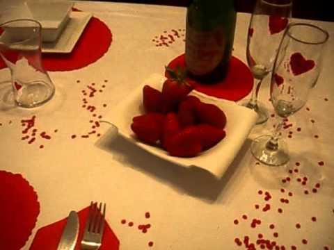 C mo decorar una mesa para san valent n decoraci n for Decorar mesa san valentin