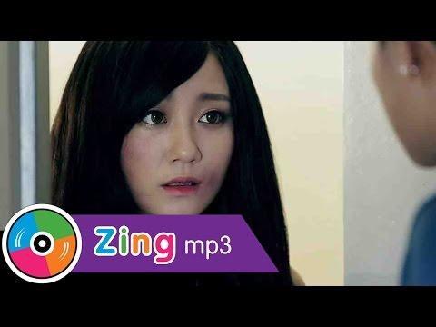 Đừng Bắt Anh Mạnh Mẽ - Hồ Quang Hiếu (Music Video Official 4K) - Thời lượng: 6:20.