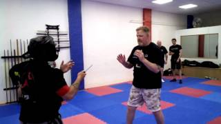Knife Defence 002