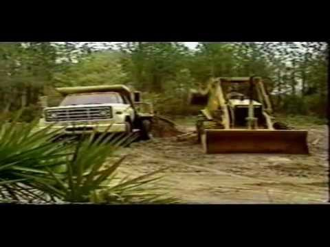 retro excavadora - Este video ayudará a los operadores sobre las técnicas correctas en la operación de una Retroexcavadoral. Autor: Caterpillar Inc.; William Adams Pty Ltd Edit...