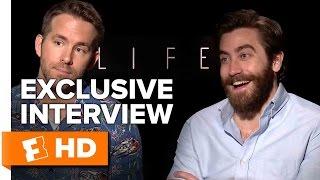 Video Ryan Reynolds and Jake Gyllenhaal Exclusive 'Life'' Interview (2017) MP3, 3GP, MP4, WEBM, AVI, FLV Juli 2019