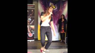 Video Bambi performing 'Aashiq' at Hungama 2013 MP3, 3GP, MP4, WEBM, AVI, FLV Desember 2018