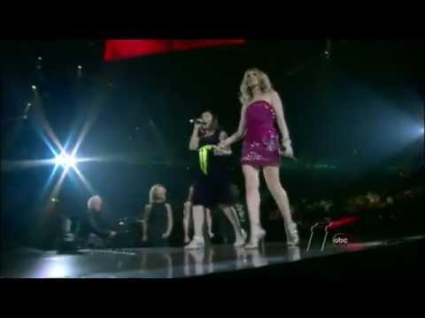 Celine Dion zaprasza na scenę nastolatkę, która chce zaśpiewać dla mamy! Jej głos zaskoczył samą gwiazdę!