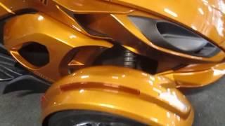 5. 2014 Can Am Spyder ST Limited UM296 002