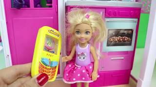 Abone Ol -- https://goo.gl/mMcwDo Barbie'nin Yeni Evi Chelsea Barbie Oyuncak Ev Barbie Türkçe Çizgi Filmleri Kanalımızda bir çok oyuncak bebek videoları, ...
