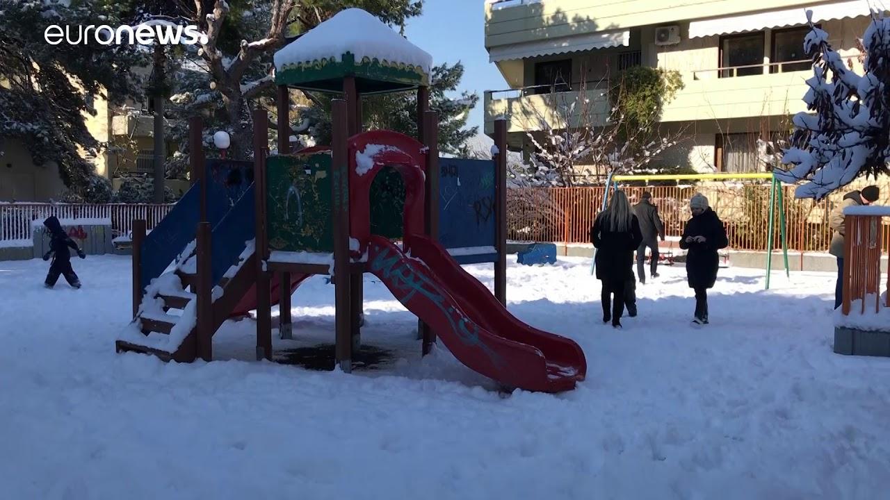 Χιόνια στην Αθήνα: euronews NoComment