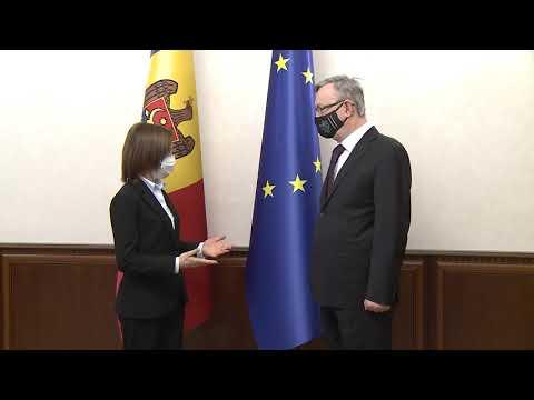 Президент Республики Молдова Майя Санду наградила Е.П. Посла Чешской Республики Зденека Крейчи орденом «Ordinul de Onoare»