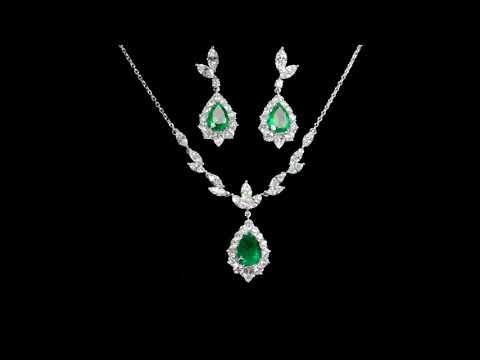 18k White Gold Colombian 6.61ct (TW) Emerald and Diamond Necklace and Earrings Set