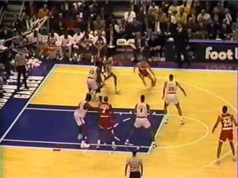 Rockets Stun Knicks, Tie NBA Record By Starting 15-0