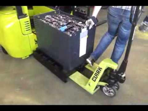 Changement batterie Chariot Electrique CLARK