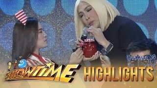 Video Vice Ganda removes his wig | It's Showtime MP3, 3GP, MP4, WEBM, AVI, FLV Maret 2019