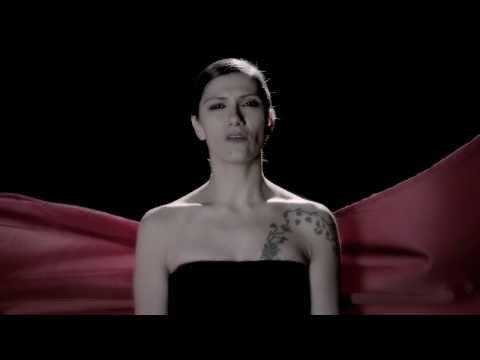 Immagine della canzone Un filo di seta negli abissi di Elisa