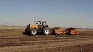 Video Tractor Valtra BH160 4x4 con palas de arrastre MP3, 3GP, MP4, WEBM, AVI, FLV April 2019