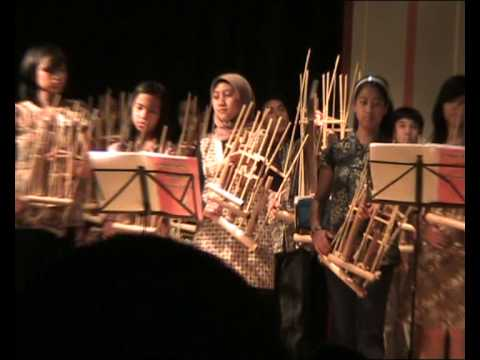 Video Angklung Hamburg - Indonesian Day - Pileuleuyan download in MP3, 3GP, MP4, WEBM, AVI, FLV February 2017