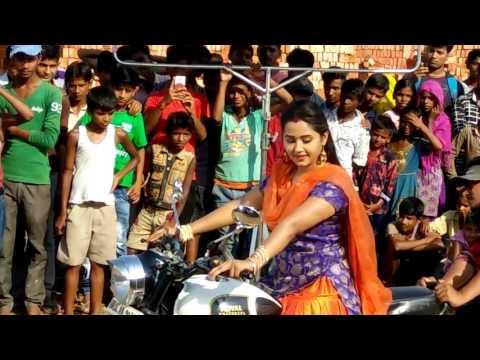Video काजल राघवानी बाईक चलाते हुवे - Kajal Raghwani download in MP3, 3GP, MP4, WEBM, AVI, FLV January 2017