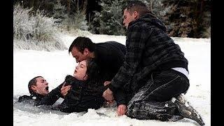 Video Emmerdale - Victoria Sugden Falls Through The Ice (25th December 2008) MP3, 3GP, MP4, WEBM, AVI, FLV April 2018