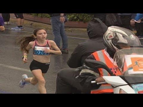 12χρονη έκλεψε την παράσταση στον Ημιμαραθώνιο της Αθήνας