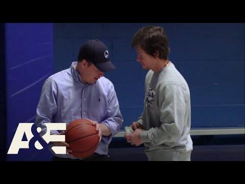 Wahlburgers: Birthday Basketball Bet (Season 1, Episode 8) | A&E