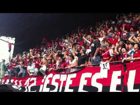 La Doce alentando a la LDA antes del Clásico 2013-04-13 - La 12 - Alajuelense