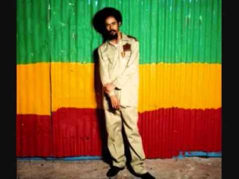 Damian Marley - Holiday