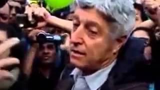 Caco Barcellos Repórter da Rede Globo é expulso de Protesto em SP ABAIXA REDE GLOBO, O POVO NÃO É BOBO!!!