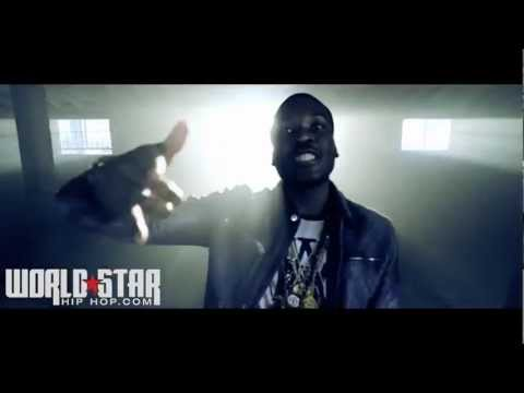 "Meek Mill ""Flexen On Em"" Official Video"""