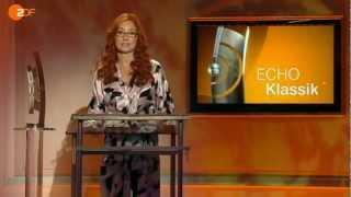 Tori Amos presents Khatia Buniatishvili w/ ECHO Klassik award, 2012