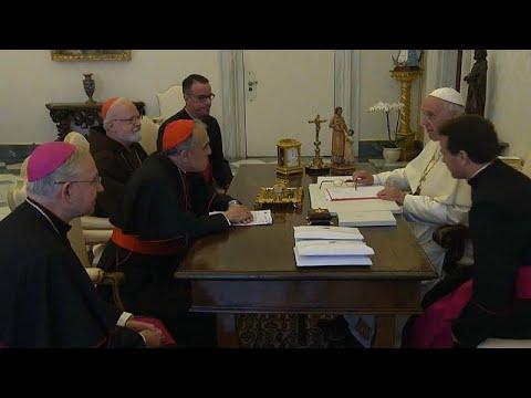 Missbrauchsskandal: Papst Franziskus trifft US-Kirchenvertreter