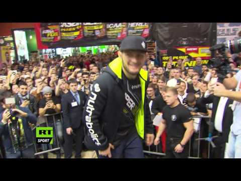 Khabib Nurmagomedov and his fans during Moscow autograph session